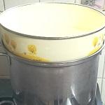 鍋・ボウル・蒸し台でハーブの蒸留水を作る実験をしました