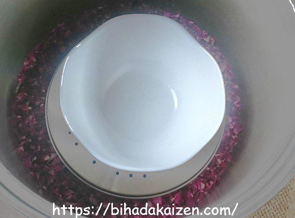 鍋を使ったハーブの蒸留